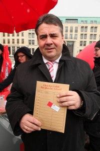 SPD und DGB vor dem Brandenburger Tor