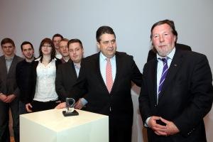 SPD und Holocaust Gabriel erhaelt Ehrung