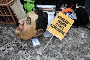 Bundeswirtschaftsministerium und Demo
